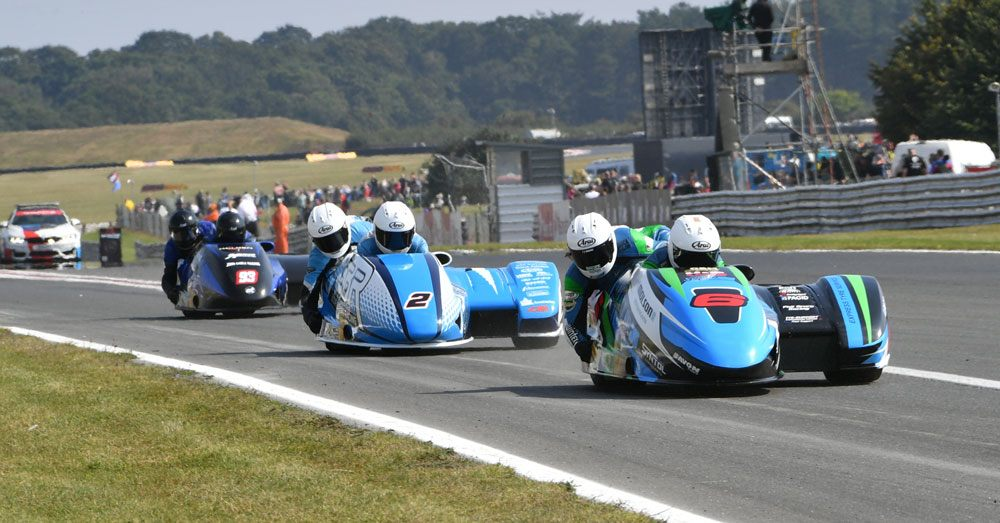 British F1: Birchalls prevail at Snetterton as they and Ellis smash lap record